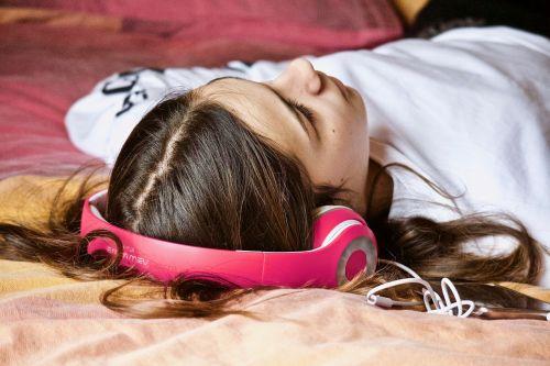 girl relaxation listening
