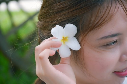 girl  corsage flower  white flowers