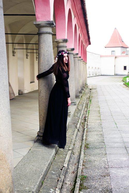 girl  castle  black