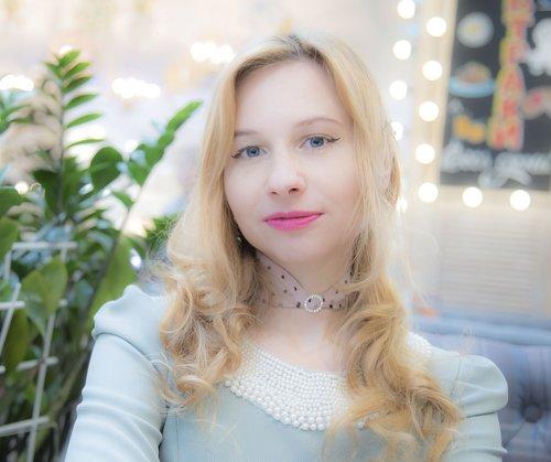 girl  portrait  café
