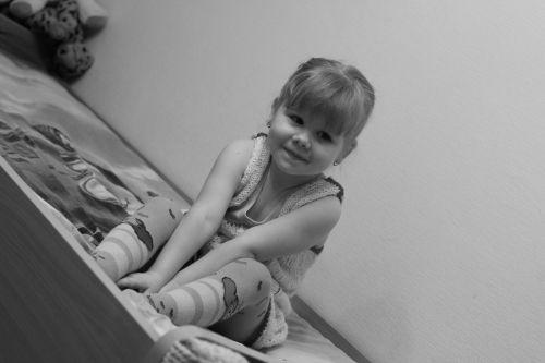 girl shy bed for children