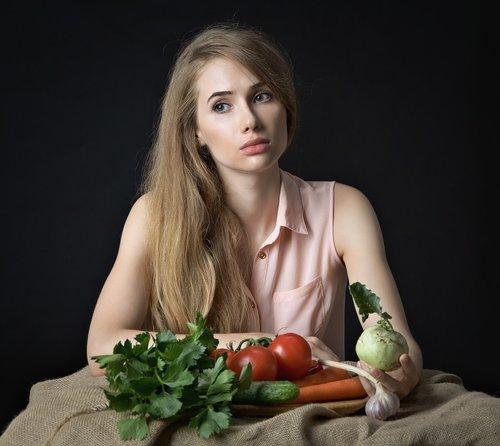 girl  vegetables  health