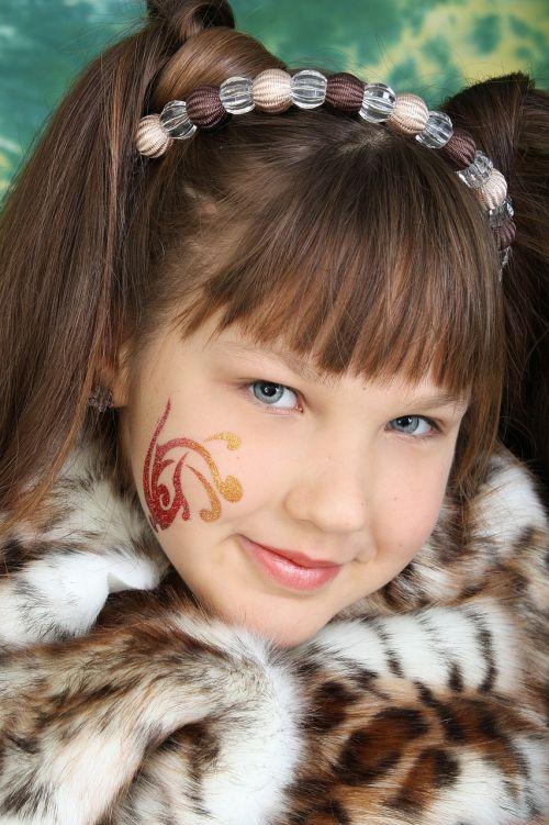 girl masquerade beauty