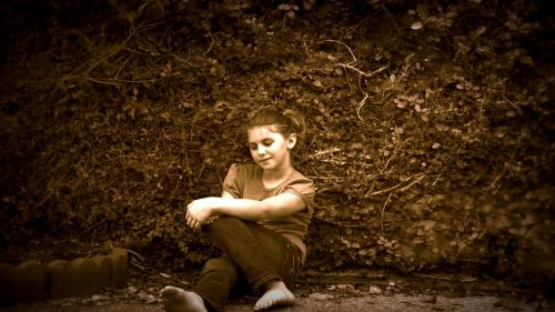 girl portrait sepia