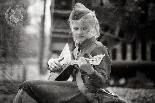 girl balolajka victory day