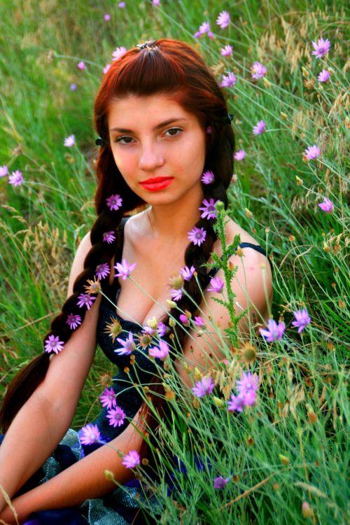 girl flowers mov
