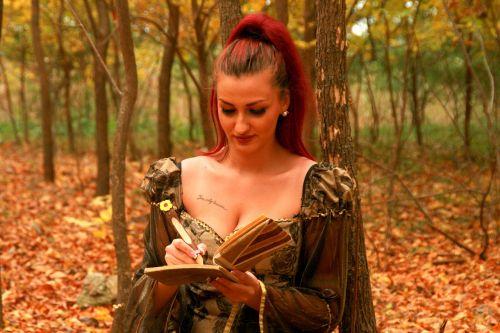 girl princess autumn
