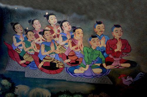 girls praying buddha