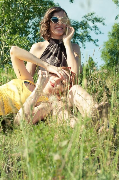 girls summer sun