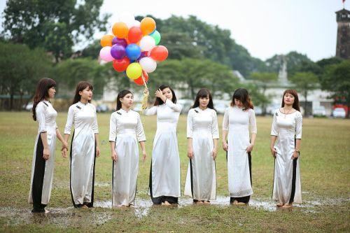 girls balloons women