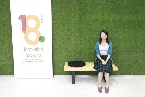 girls green background chinese girls