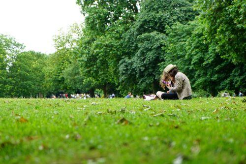 girls in park park girls