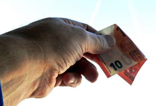 give accept euro 10 euro