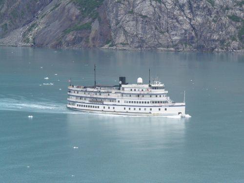glacier bay alaska ferry
