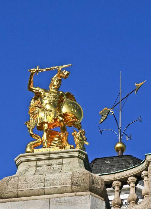 gladiator gold gilded