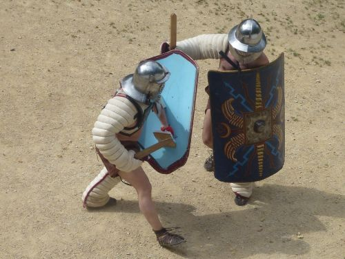 gladiator fight roman history