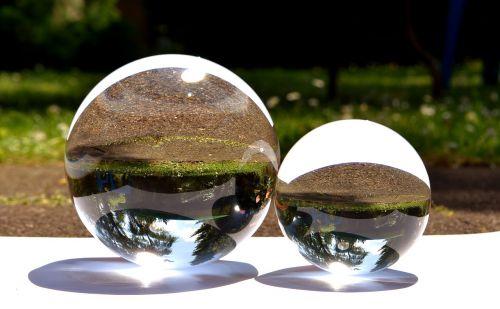glaskugeln mirroring garden