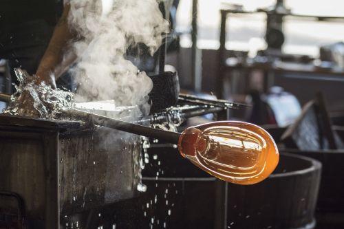 glass glass artist glass blowing