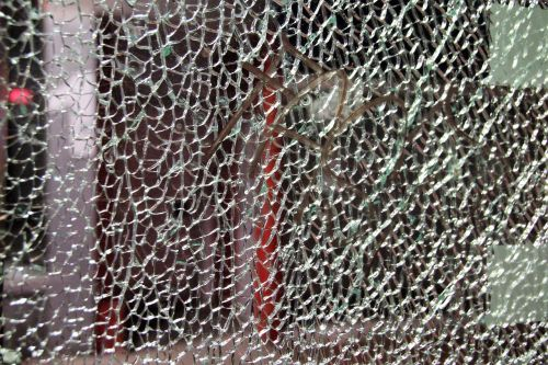 glass safety glass cracked