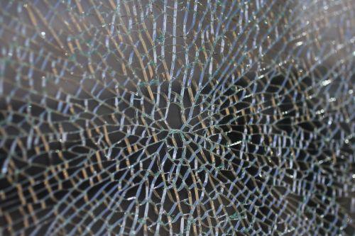 glass rip crack