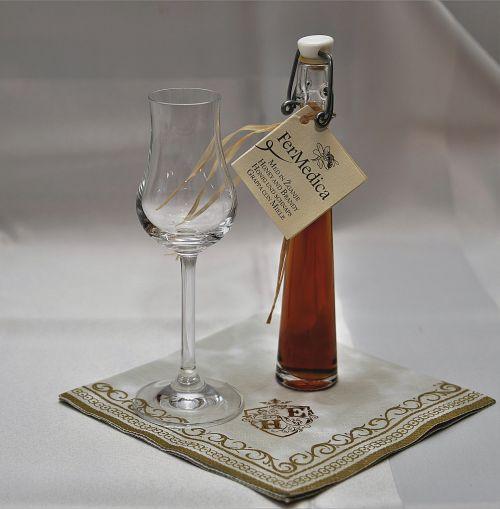 glass liqueur napkin