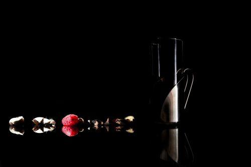 glass black red