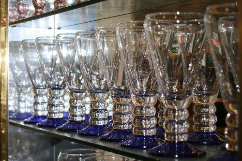 glass  glasses  restaurant