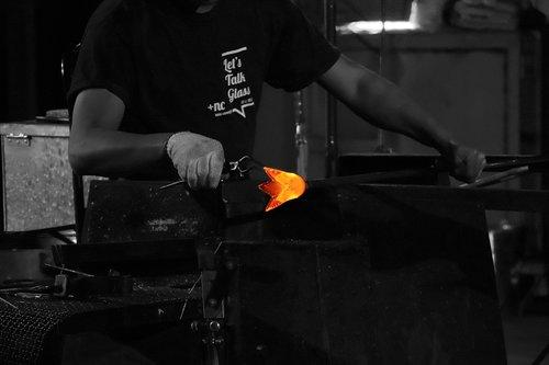glass  crafts  manufacture