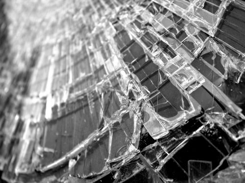 glass window cracks