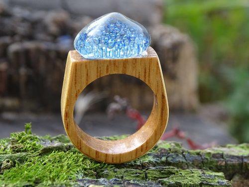 stiklo ir medžio žiedas,papuošalai,jūros dugnas,vienos rūšies žiedas,mėlynas,akvamarinas,jūros žiedas,mediena,stiklo žiedas,medžio žiedas,dizainas,tikras žiedas,medinis žiedas,Jūros gyvenimas,kraštovaizdžio stiklas,Sužadėtuviu žiedas,mada,maži burbuliukai,stiklas,meno stiklas,rankų darbo medinis žiedas,pasirinktinis medžio žiedas,unikalus žiedas,subtilus mėlynas žiedas