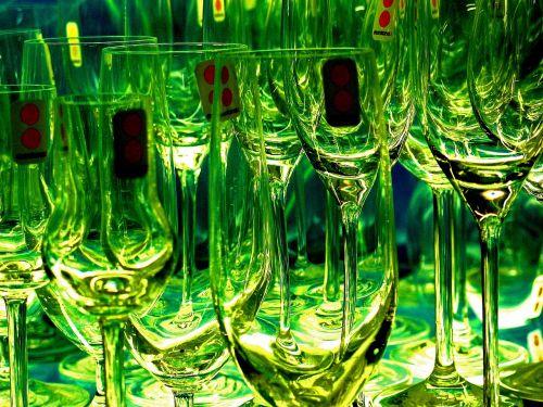glasses champagne glasses champagne