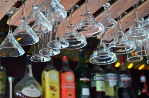 glasses bars wine