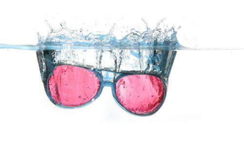 glasses water spray