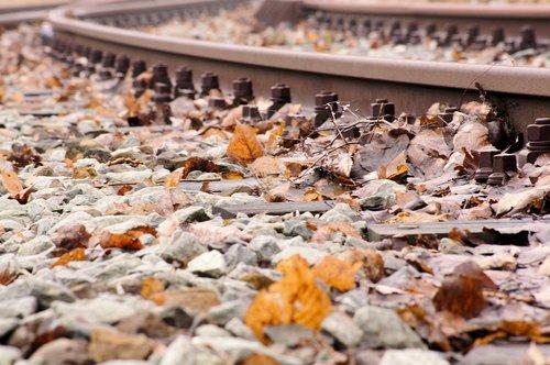 gleise  track bed  gravel