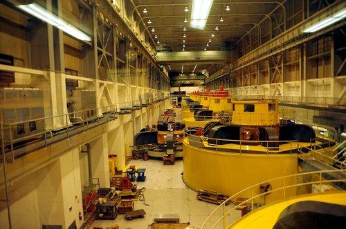 glen canyon dam generators  electric  generators
