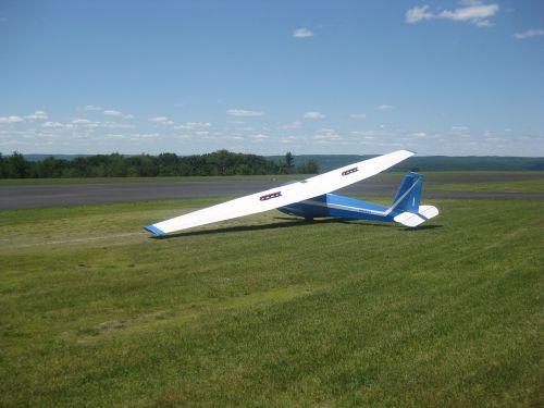glider flying flight