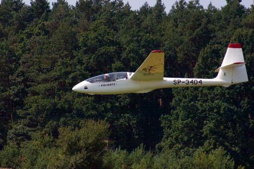 glider fly landing