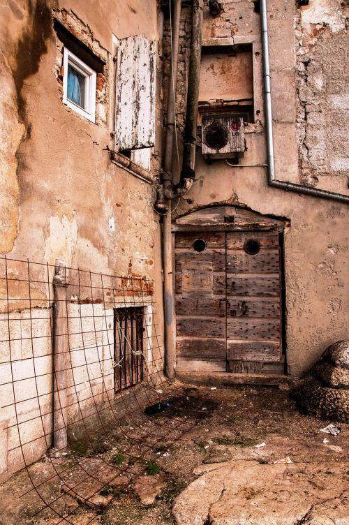 glimpse old houses door