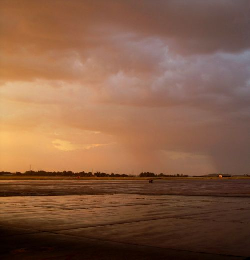 glow,sunset,pinky-gold,light,cloudy,wet,after storm,sky