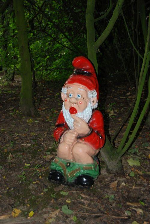 gnome garden gnome wc
