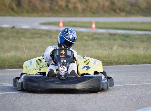 go-kart kart race fast