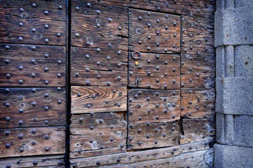 goal door wooden beams