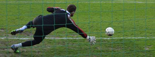 goalkeeper ball jump