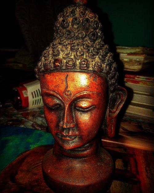 god  prize  statue