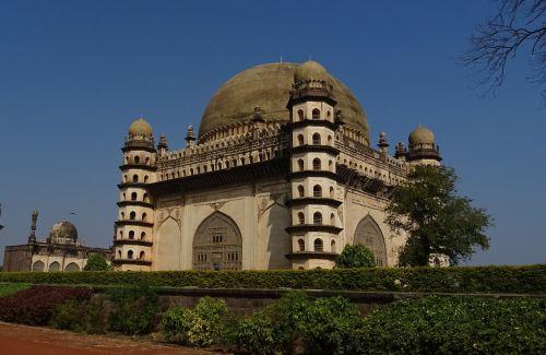 gol gumbaz mausoleum monument