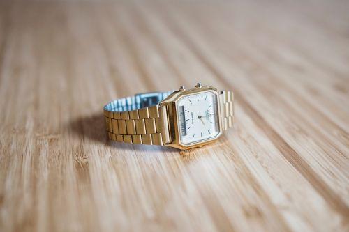 gold watch fashion