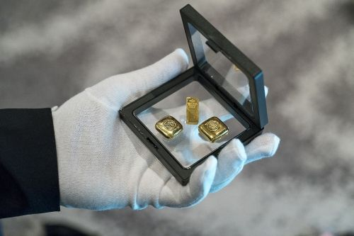 gold money business
