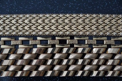 gold chain jewellery