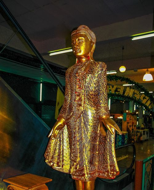 golden lady figurine sculpture sparkle