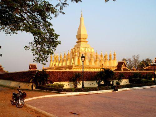 golden pagoda pagoda wat pha-that luang